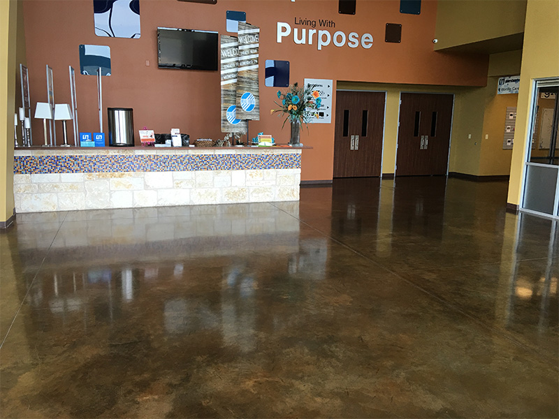 Fast, efficient and knowledgeable, our team can tackle large commercial polishing jobs in just days. Save time and money with a professional team that has the equipment to get your concrete polished fast. From 5,000-50,000 sq ft, we can handle any job.